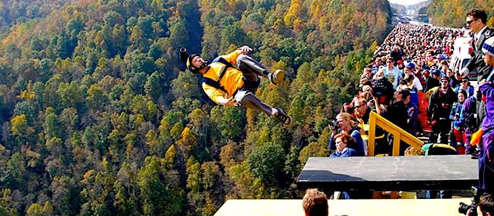 base-jumping-new-river-gorge